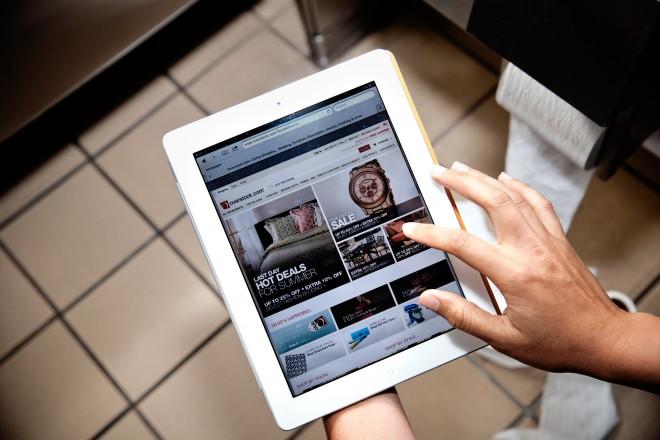 bathroom-tablet-browsing